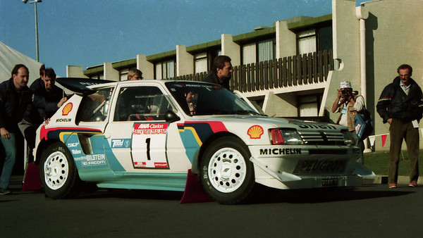 peugeot-205turbo16-action01