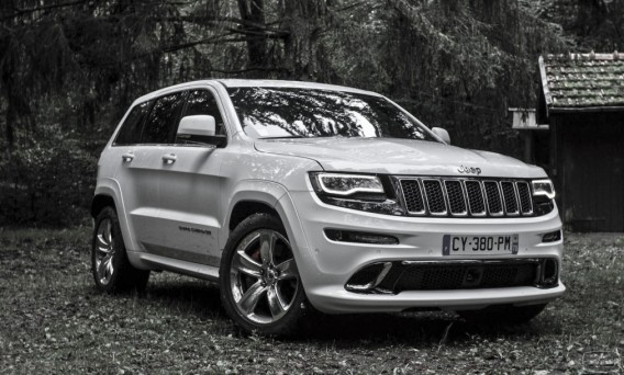 essai jeep grand cherokee srt carblog essais et actualit automobile. Black Bedroom Furniture Sets. Home Design Ideas