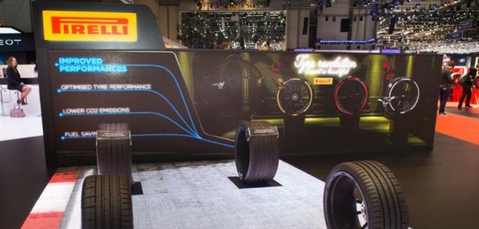Pirelli présente le pneu coloré et le pneu connecté au Salon de Genève 2017