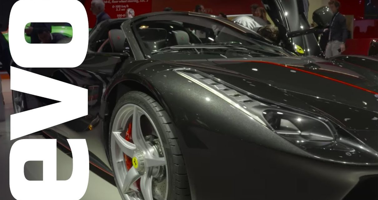 Ferrari LaFerrari Aperta in-detail at the 2016 Paris motor show | evo MOTOR SHOWS
