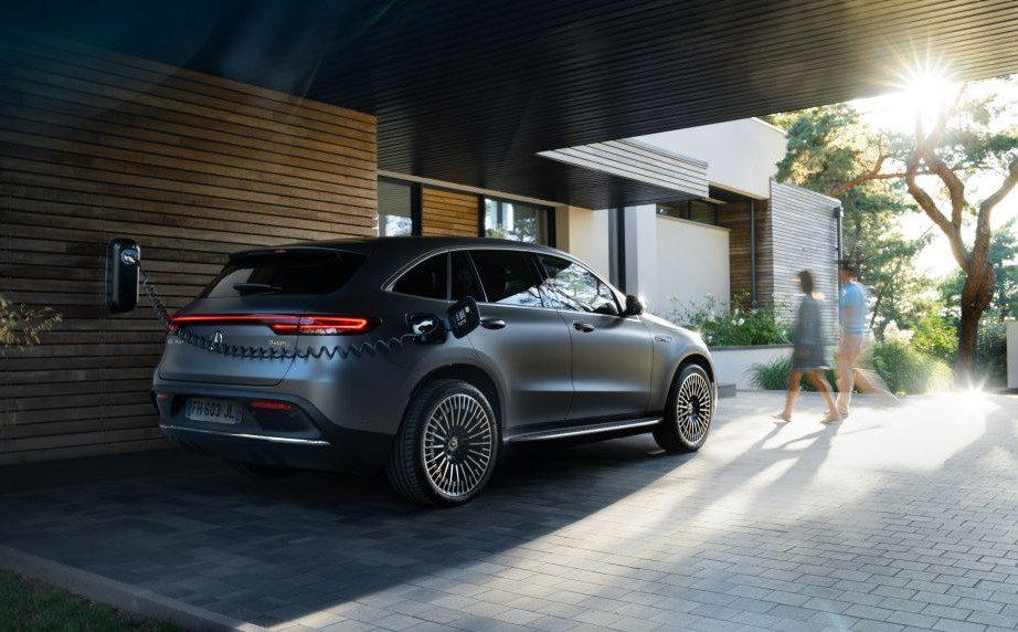 Comment payer pour recharger sa voiture électrique ou hybride rechargeable ?