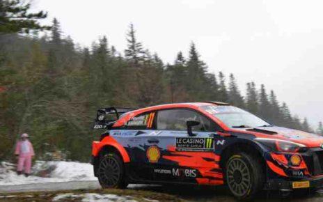 Thierry Neuville gagne un rallye en Italie