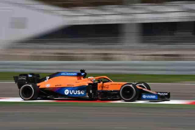 Ricciardo a couru avec une voiture endommagée lors de ses débuts avec McLaren à Bahreïn