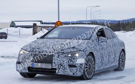 La prochaine berline électrique Mercedes EQE surprise sur la route