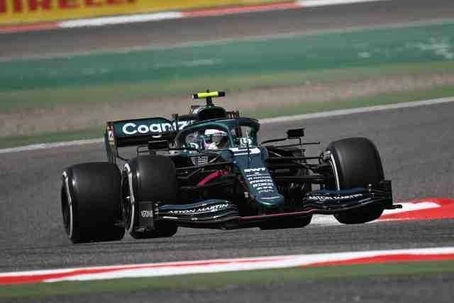 Sebastian Vettel présente ses excuses à Esteban Ocon après son sale week-end à Bahreïn