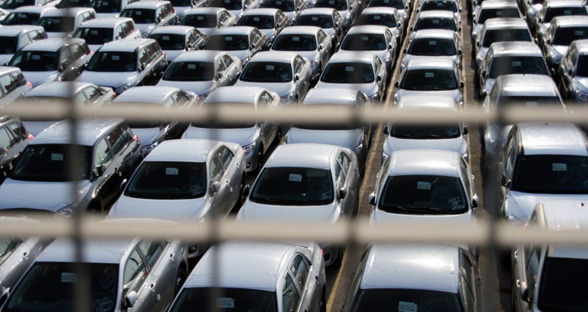 Comment bien acheter une voiture à l'étranger : TVA, douane, points à contrôler, immatriculation