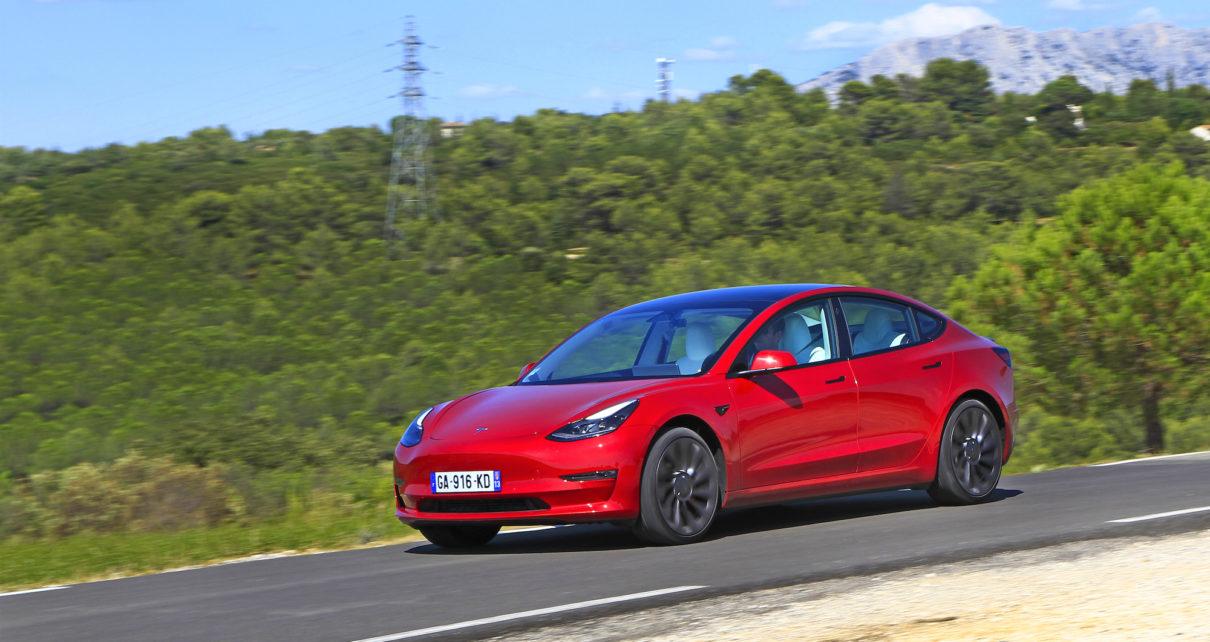 Pourquoi la Tesla Model 3 Performance est peut-être la meilleure voiture du monde