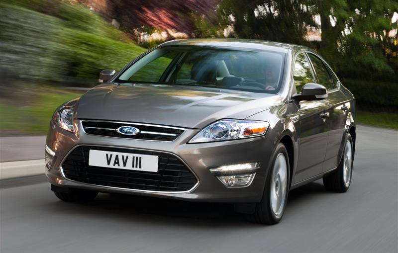En 2013, la Ford Mondeo fête son vingtième anniversaire avec une gamme remaniée