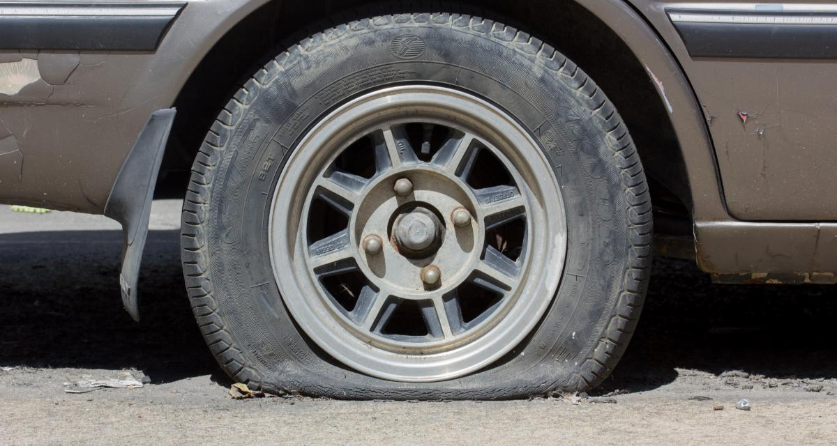 Malgré une roue crevée, il réussit à fuir les gendarmes… mais se fait coincer quelques jours plus tard