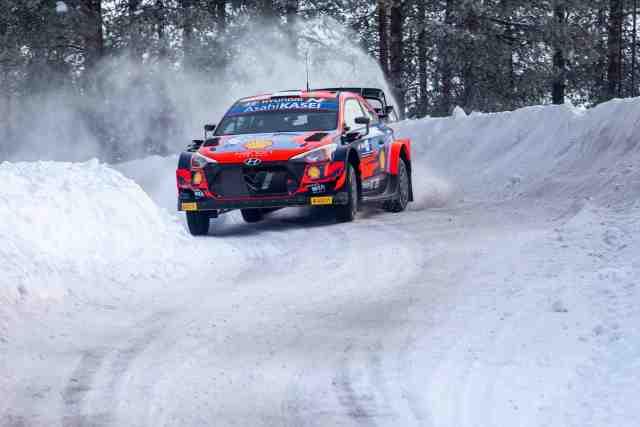Ott Tänak toujours en tête de l'Arctic Rally Finland, Kalle Rovanperä 2e
