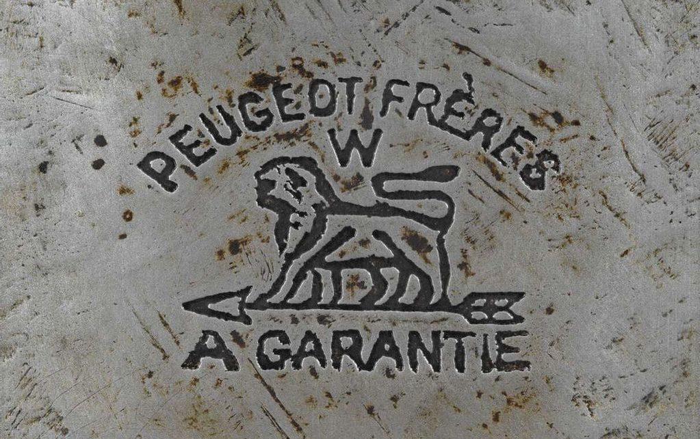 Peugeot : l'évolution du logo de la marque au Lion: modèles, essais, avis et vidéos