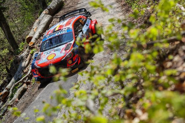 Thierry Neuville toujours en tête du Rallye de Croatie après l'ES4