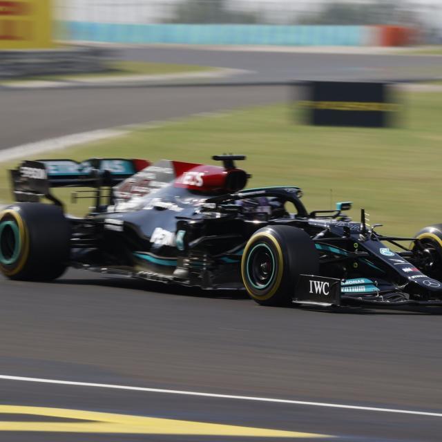 Lewis Hamilton prend seul le deuxième départ du Grand Prix de Hongrie