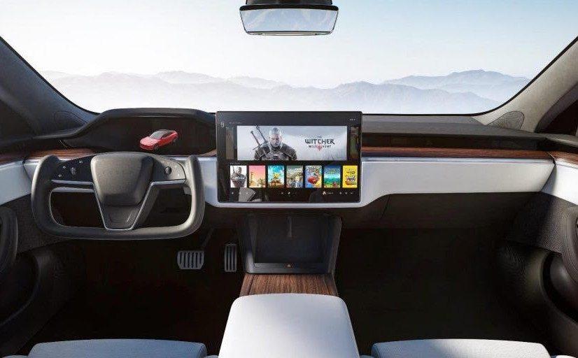 """Volant """"Yoke"""" de la nouvelle Tesla Model S (2021) : ce que les premiers essais en disent"""