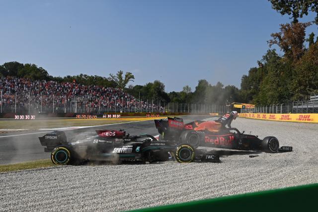 Une nouvelle vidéo impressionnante de l'accrochage entre Hamilton et Verstappen lors du GP d'Italie